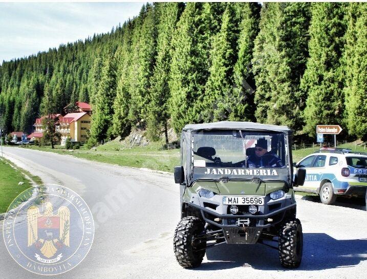 Recomandări ale jandarmilor montani pentru turiștii care merg la picnic în Munții Bucegi