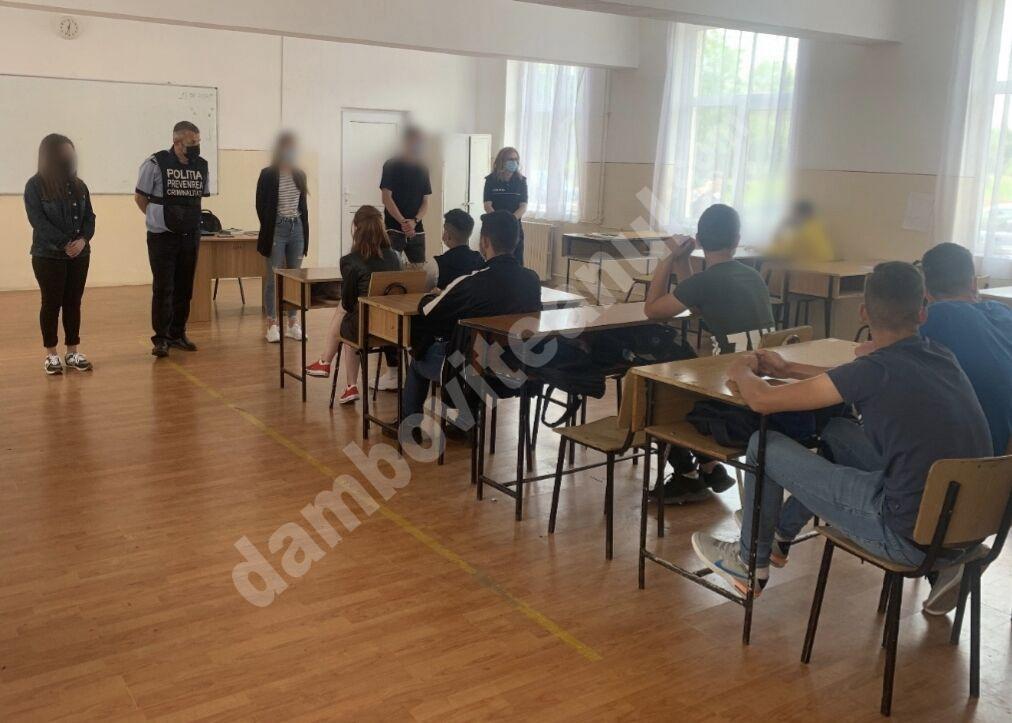 Activități pentru prevenirea victimizării minorilor și a delincvenței juvenile, desfășurate de polițiștii dâmbovițeni