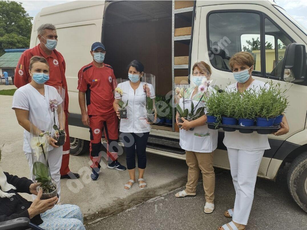 Noi acțiuni filantropice, desfășurate de Filiala de Cruce Roșie Dâmbovița