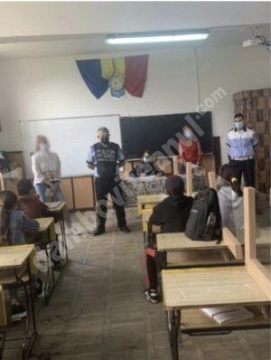 Sesiune pentru informarea elevilor din localitățile dâmbovițene Cornățelu și Costeștii din Vale