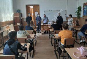Read more about the article Parteneriatul Biserică-Școală, proiect de succes la Bucșani și Cornești!