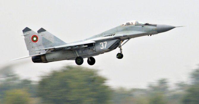 Un avion militar bulgar s-a prăbuşit în Marea Neagră