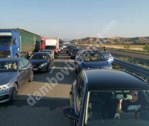 Cozi de kilometri, la intrarea în Grecia. Românii plecați în vacanță au așteptat câteva ore pentru a trece granița la Kulata-Promachonas