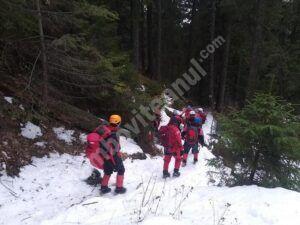Doi turiști au rămas blocați în Bucegi, în timp ce coborau de la Crucea Eroilor spre Cabana Caraiman