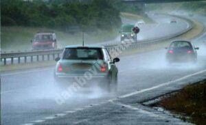 Read more about the article Atenție, șoferi! Pericol de acvaplanare pe Autostrada Soarelui
