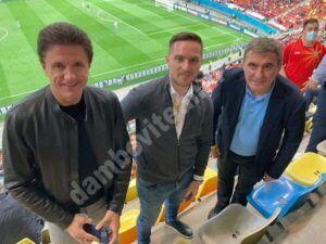 Reacția lui Gică Popescu, după ce a primit bilet la tribuna a II, iar politicienii au văzut meciul Austria –Macedonia de Nord de la zona VIP