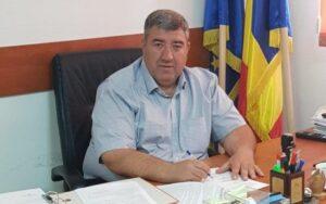 Read more about the article Primarul comunei Ștefăneștii de Jos a fost reținut pentru 24 de ore în cazulminorei violate de mai multe persoane, acum 4 ani