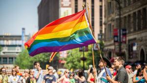 Read more about the article CEDO a condamnat România pentru încălcarea drepturilor comunității LGBTI. Daunele morale sunt de aproape 60.000 de euro