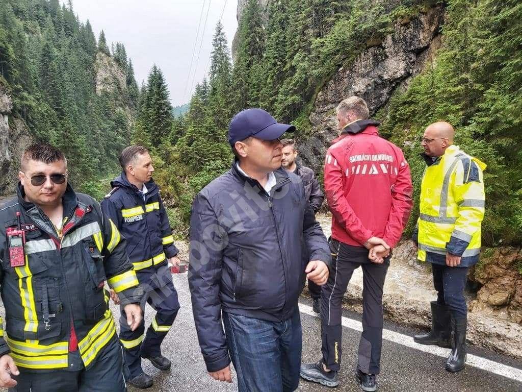 You are currently viewing Președintele CJD asigură că situația din zona montană dâmbovițeană, afectată de precipitațiile de noaptea trecută, este sub control