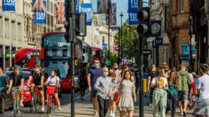 Read more about the article Marea Britanie ridică toate restricțiile anti-Covid