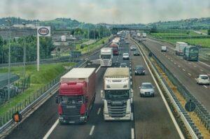Read more about the article Accident auto în lanț pe DN 1A. Sunt implicate două TIR-uri și un autoturism