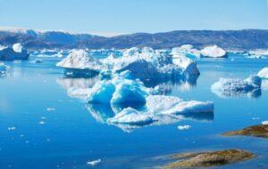 Read more about the article Gheața din Groenlanda se topește în ritm accelerat din cauza temperaturilor tot mai ridicate înregistrate în emisfera nordică