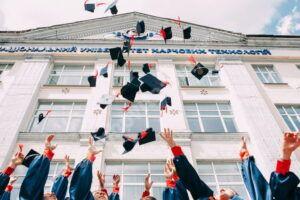 Read more about the article Șase elevi dâmbovițeni au încheiat examenele naționale cu media generală 10