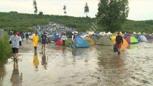 Read more about the article 60 de persoane sunt blocate cu rulotele și mașinile într-un camping din Dâmbovița