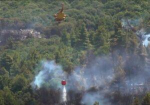 Read more about the article Peninsula Peloponez din Grecia e în flăcări. Patru sate au fost evacuate
